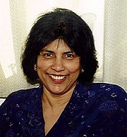 """Foto do autor. Priya Wickramasinghe. Photo from <a href=""""http://dialspace.dial.pipex.com/town/street/xdw20/index.html"""" rel=""""nofollow"""" target=""""_top""""><i>Priya's Sri Lankan and Indian Cookery</i></a>."""