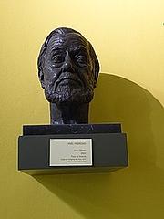 Författarporträtt. Bust de bronze de Joan Oliver i Sallarès, fet per l'escultor Camil Fàbregas, el 2003