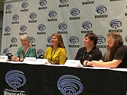 Foto del autor. From left to right: Rhondi A. Vilott Salsitz; Tina LeCount Myers; R. A. Salvatore; Patrick Rothfuss