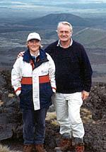 Foto de l'autor. Gordon Ell with his daughter, author Sarah Ell