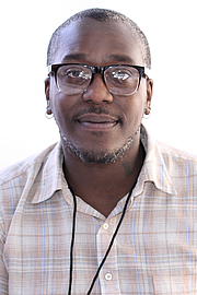 "Foto do autor. Author Brontez Purnell at the 2018 Texas Book Festival in Austin, Texas, United States. By Larry D. Moore - Own work, CC BY-SA 4.0, <a href=""https://commons.wikimedia.org/w/index.php?curid=74022518"" rel=""nofollow"" target=""_top"">https://commons.wikimedia.org/w/index.php?curid=74022518</a>"