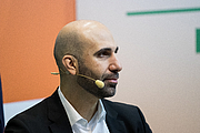 """Kirjailijan kuva. Ahmad Mansour during Frankfurter Buchmesse at Messe Frankfurt, Frankfurt, Hessen, Germany on 2018-10-13, Photo: rawpic@protonmail.com By rawpic@protonmail.com - Own work, CC BY-SA 4.0, <a href=""""https://commons.wikimedia.org/w/index.php?curid=73822772"""" rel=""""nofollow"""" target=""""_top"""">https://commons.wikimedia.org/w/index.php?curid=73822772</a>"""
