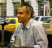 "Photo de l'auteur(-trice). <a href=""http://en.wikipedia.org/wiki/User:David_Shankbone"">David Shankbone</a>"