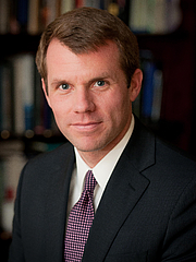 Kirjailijan kuva. Nathaniel Fick: Chief Executive Officer of Center for a New American Security