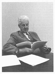 "Kirjailijan kuva. Photo from the book ""Leslie Clarence Dunn, a Biographical Memoir"""