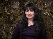 Författarporträtt. Susan Ee, author of Angelfall (Penryn & the End of Days, Book 1)