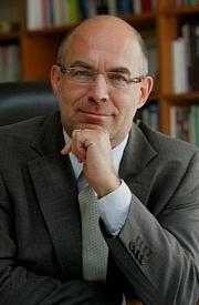 Kirjailijan kuva. Dieter Bingen