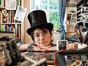 Forfatter foto. Artist's wikipedia page
