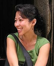 Forfatter foto. Loung Ung, author and human-rights activist, by RogerK (talk). Original uploader was RogerK at en.wikipedia