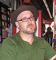 Författarporträtt. Photo by Luigi Novi.