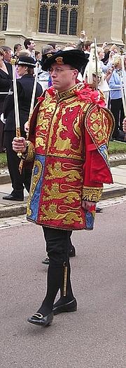Författarporträtt. Clive Cheesman (Wikimedia Commons)