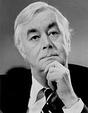 Författarporträtt. Daniel Patrick Moynihan (1927-2003)