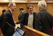Foto del autor. G. Thomas Tanselle on right. Photograph by Petrina Jackson