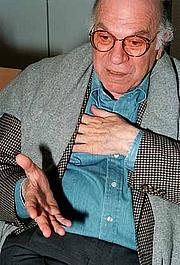 """Kirjailijan kuva. <a href=""""http://www.owenbarfield.com/Biographies/C.htm"""">Owen Barfield World Wide Website</a>"""