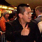 """Foto de l'autor. Anh Do walking the red carpet - Footy Legends premiere - George Street Cinema. Credit: Charlie Brewer (<a href=""""http://www.flickr.com/photos/charliebrewer/"""" rel=""""nofollow"""" target=""""_top"""">http://www.flickr.com/photos/charliebrewer/</a>)."""