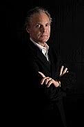 """Författarporträtt. <a href=""""http://sidneykirkpatrick.blogspot.com/"""" rel=""""nofollow"""" target=""""_top"""">http://sidneykirkpatrick.blogspot.com/</a>"""