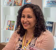 """Författarporträtt. Rajani LaRocca at BookExpo at the Javits Center in New York City, May 2019. By Rhododendrites - Own work, CC BY-SA 4.0, <a href=""""https://commons.wikimedia.org/w/index.php?curid=79387600"""" rel=""""nofollow"""" target=""""_top"""">https://commons.wikimedia.org/w/index.php?curid=79387600</a>"""