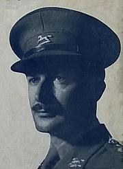 Författarporträtt. Scan from wrapper of First Poems 1942