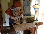 Foto de l'autor. Robert Henryson as portrayed in the Abbot House, Dunfermline [source: Kim Traynor via Wikipedia]