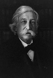Foto do autor. 1905 photograph (LoC Prints and Photographs, LC-USZ62-90754)