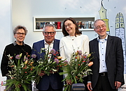 "Fotografia de autor. Esther Kinsky, Karl Schlögel, Sabine Stöhr und Juri Durkot By Heike Huslage-Koch - Own work, CC BY-SA 4.0, <a href=""https://commons.wikimedia.org/w/index.php?curid=67582834"" rel=""nofollow"" target=""_top"">https://commons.wikimedia.org/w/index.php?curid=67582834</a>"