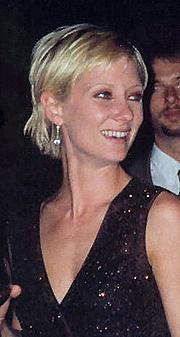 Foto do autor. Photo by Alan Light, 1997 (Cropped/Wikimedia & Flickr)