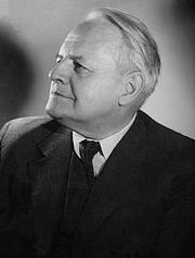 """Kirjailijan kuva. Wańkowicz before 1950 By Władysław Miernicki - Narodowe Archiwum Cyfrowe, Sygnatura: 20-112, Public Domain, <a href=""""https://commons.wikimedia.org/w/index.php?curid=14827000"""" rel=""""nofollow"""" target=""""_top"""">https://commons.wikimedia.org/w/index.php?curid=14827000</a>"""