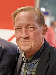 """Foto de l'autor. Der schottischer Historiker, politischer Journalist und Schriftsteller Martin Walker auf der Wiener Buchmesse 2019. By Bwag - Own work, CC BY-SA 4.0, <a href=""""https://commons.wikimedia.org/w/index.php?curid=83858081"""" rel=""""nofollow"""" target=""""_top"""">https://commons.wikimedia.org/w/index.php?curid=83858081</a>"""