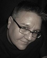 Kirjailijan kuva. author photo | goodreads author page