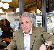 Foto de l'autor. Author's website
