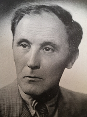 Forfatter foto. Photo from Poetry since 1939, British Council, 1945