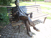 "Kirjailijan kuva. Sándor Weöres Denkmal in Szombathely (22. Juni 1913 in Szombathely; 22. Januar 1989 in Budapest) war ein ungarischer Schriftsteller. By Pan Peter12 - Saját kép, CC BY-SA 3.0, <a href=""https://commons.wikimedia.org/w/index.php?curid=15670282"" rel=""nofollow"" target=""_top"">https://commons.wikimedia.org/w/index.php?curid=15670282</a>"
