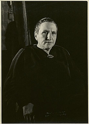 "Författarporträtt. Courtesy of the <a href=""http://digitalgallery.nypl.org/nypldigital/id?483780"">NYPL Digital Gallery</a> (image use requires permission from the New York Public Library)"