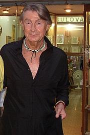 Forfatter foto. Joel Schumacher at Taormina Film Fest 2003 by Wikipedia user Kasper2006.