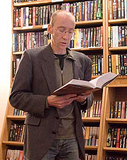 Kirjailijan kuva. Aidan Moher