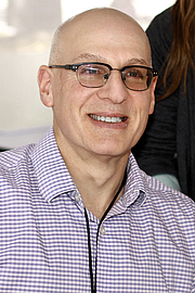 "Författarporträtt. Author Gordon Korman at the 2019 Texas Book Festival in Austin, Texas, United States. By Larry D. Moore, CC BY-SA 4.0, <a href=""https://commons.wikimedia.org/w/index.php?curid=84523418"" rel=""nofollow"" target=""_top"">https://commons.wikimedia.org/w/index.php?curid=84523418</a>"