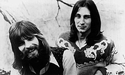 "Fotografia dell'autore. Publicity photo of Kenny Loggins and Jim Messina. By Schiffman and Larson, management - eBay itemphoto frontphoto back, Public Domain, <a href=""https://commons.wikimedia.org/w/index.php?curid=20177359"" rel=""nofollow"" target=""_top"">https://commons.wikimedia.org/w/index.php?curid=20177359</a>"