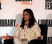 """Kirjailijan kuva. reading at the National Book Festival, Washington, D.C. By slowking4 - Own work, GFDL 1.2, <a href=""""https://commons.wikimedia.org/w/index.php?curid=72267083"""" rel=""""nofollow"""" target=""""_top"""">https://commons.wikimedia.org/w/index.php?curid=72267083</a>"""