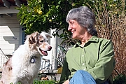 Forfatter foto. Photograph of Donna Haraway and Cayenne by Rusten Hogness