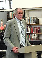 Författarporträtt. Bridgeport Public Library