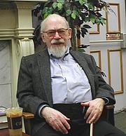 Foto del autor. By Laurie Mann.Lauriemann at en.wikipedia [Public domain], from Wikimedia Commons