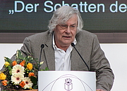 "Forfatter foto. Helmut Lethen, Leipzig Bookfair 2014 By Lesekreis - Own work, CC0, <a href=""https://commons.wikimedia.org/w/index.php?curid=31684684"" rel=""nofollow"" target=""_top"">https://commons.wikimedia.org/w/index.php?curid=31684684</a>"