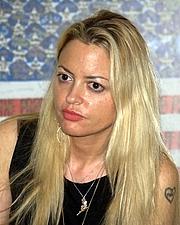 Författarporträtt. Elizabeth Wurtzel (Wikipedia)