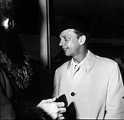 Foto de l'autor. Don Knotts at the premiere of his movie: Weeki Wachee Springs, Florida, 1964.