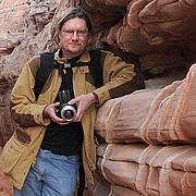 Kirjailijan kuva. Kyle Cassidy
