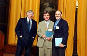 Foto de l'autor. Columbia University (Kai Bird is at center)