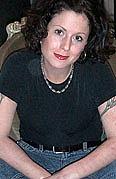 Kirjailijan kuva. maryahornbacher.com