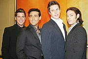 """Foto de l'autor. Il Divo in Hong Kong 2005 from L-R :Sébastien,Carlos,David and Urs By Sry85 - Own work, CC BY 3.0, <a href=""""https://commons.wikimedia.org/w/index.php?curid=2728327"""" rel=""""nofollow"""" target=""""_top"""">https://commons.wikimedia.org/w/index.php?curid=2728327</a>"""