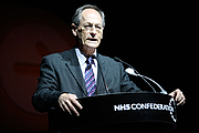 Foto do autor. Sir Michael Marmot, NHS Confederation annual conference and exhibition 2010 - Liverpool ACC: photo by Flickr user NHS Confederation