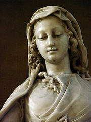 Foto do autor. Statue of the Virgin in Marble, St. Stephen's Chruch, Nancy, France. Photo by user Vassil / Wikimedia Commons.